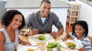 Simple Family 7 Simple Ways To Make Family Dinners Work For You Parenting Squad