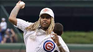 Lil Durk Throws Disastrous First Pitch ...