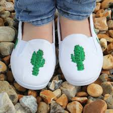 Diy shoes designs Cute Diy Cactus Shoes Stylegawker Diy Cactus Shoes Stylegawker