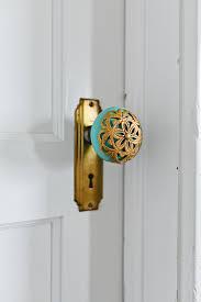 door knob with lock for bedroom.