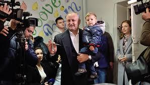 Диссертацию кандидата в президенты Молдавии просят проверить на   Лидер социалистов Молдовы Игорь Додон на президентских выборах в Кишиневе