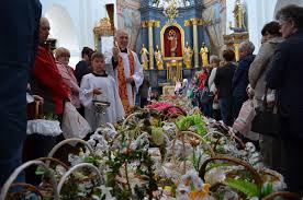 Obchody Wielkanocy w Rawie Mazowieckiej. Biskup łowicki wydał zarządzenie  dla proboszczów - kochamrawe
