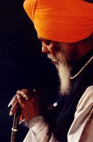 Dr. Lonnie Smith, the doctor of the Hammond B-3 organ, is in