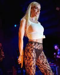 Daha açık giyeceğim' demişti! Cüretkar kıyafetiyle Hande Yener tepki çekti:  Kendini rezil ediyorsun - Internet Haber