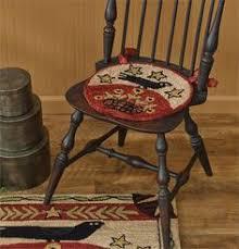 folk crow hooked chair pad 14 5 dia