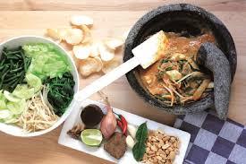 Untuk resep dengan bahan dasar seafood, lihat kumpulan resep olahan seafood di sini. Bukti Cinta Pada Kuliner Indonesia Pria Ini Terbitkan Buku Resep Masakan Indo Belanda
