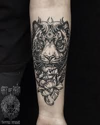 Módní ženské Tetování Někdy Jsou černé Růže Takové Tetování
