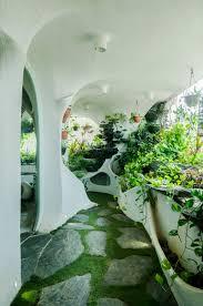 Disney Landscape Design A Verdant Landscape Breathes Life Into A One Bedroom