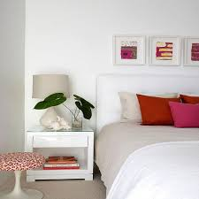 White Walls Decorating Decorating Bedrooms With White Walls