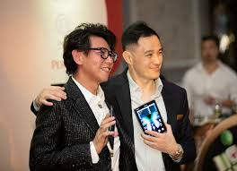 Why Benjamin Kim and Alex Low Are Obsessed With Their Samsung ...