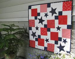 Patriotic Quilt Patterns: 8 Red, White and Blue Quilts & July Table Topper by 2Strings Adamdwight.com