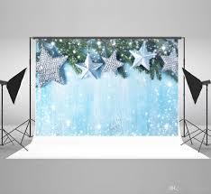 Großhandel Kate 7x5ft Mikrofaser Weihnachtssterne Fotografie Kulissen Rustikal Blau Holz Hintergrund Tanne Hintergrund Winter Flecken Bokeh