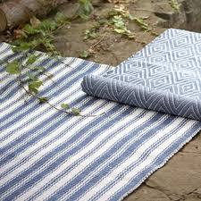 striped outdoor rug colors