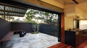 exterior modern courtyard home design