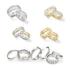 Engagement Ring Vs Wedding Ring Engagement Ring Vs Wedding Ring