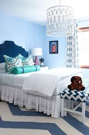 Lovely Bedroom Bench And Rug Add Chevron Magic To This Teen Bedroom