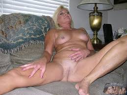 Blonde mature milf porn pics