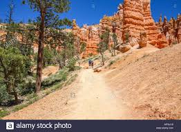 queen s garden hiking trail bryce canyon national park ut