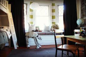 White Wall Paint With Bay Window In Modern Living Room With Pendant Lamp  Also Grey Carpet ...