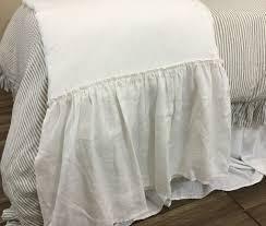 ... white linen bed scarf runner ...