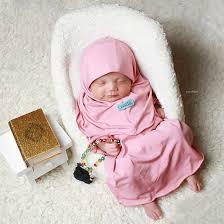 Foto Bayi Perempuan Berhijab