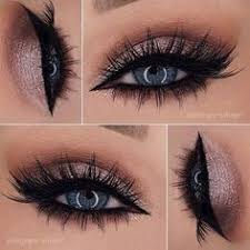 if you have eyes like the sky you need to pop those gems up one way to make your blue eyes highlight is wearing rose glitter eyeshadow or a metallic one
