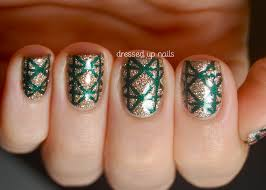 Top 5 Best DIY Christmas Nail Arts for Holiday Season 2017-2018 Trends