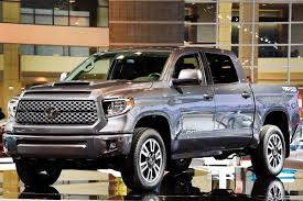 2017 Pickup Trucks for Pros - Pro Construction Guide
