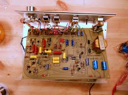 bose 901 series i early production active equalizer 11949 this early production variant used a few 3 3 uf 10v capacitors in part of the low frequency circuit that aren t present on the late production model