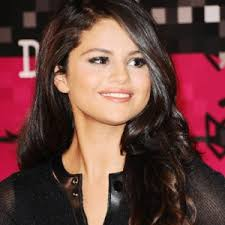 copy selena gomez s makeup and hair from the 2016 mtv video awards