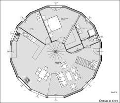 une maison en bois ronde et écologique