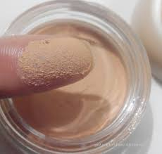 packaging the foundation es in a gl jar with a plastic lid it is light weight and will not take much e in your makeup pouch you might also think
