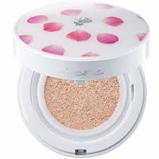 korean beauty s the limited edition rose petal case was first introduced in korea and was highly por