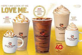 Review latest reviews about gloria jeans coffees on tossdown with operations in over 40 countries, gloria jean's coffees is one of the world's biggest premium coffee franchises. Gloria Jean S Fall Lineup Includes Shimmery Gold Brew Tea Coffee Trade Journal
