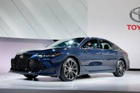 2019 Toyota Avalon Aims for Excitement   News   Cars.com