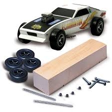 pinewood derby race cars amazon com woodland scenics pine car derby car kit basic arts