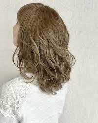 明るい髪色でもギャルっぽくならない品のある明るめカラー ヘア