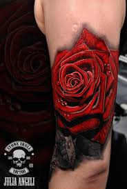 тату красная роза будущий рукав