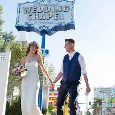 las vegas weddings renewals at the world famous graceland wedding chapel
