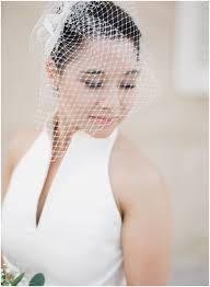 Hoe Draag Je Een Bruidssluier Dusty Blue