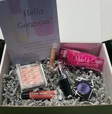 benevolent beauty box for free cosmetics in full sizes