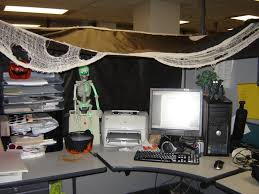 Decorate your office cubicle Workspace Best Cubicle Decorating Ideas Work Office Makeover Ideas Decorating Your Office For Halloween Preciodeleuroco Decorating Best Cubicle Decorating Ideas Work Office Makeover Ideas