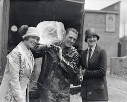 When Everyone Wanted to Be the Iceman | The iceman, Delivery man, Ice truck
