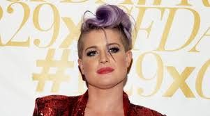 kelly osbourne wades into race row with