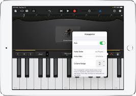 Bei klavieren und flügeln verwendete man früher elfenbein (weißlicher farbton) für die untertastenbeläge und ebenholz. Spielen Des Keyboards In Garageband Fur Das Ipad Apple Support