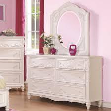 White Tufted Bedroom Set — Glamorous Bedroom Design