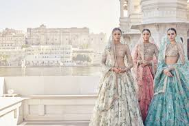 Fashion Designers In Kolkata List Sabyasachi Mukherjee Bridal Lehengas Saris Wedding