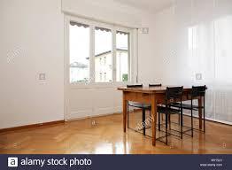 Innenausstattung Weiße Esszimmer Holztisch Und Schwarze