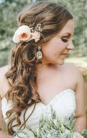 Die Besten 25 Hochzeitsfrisur Seitlich Ideen Auf Pinterest
