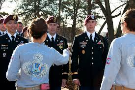 u s department of defense photo essay  officers new to the 1st brigade combat team answer questions about the history and traditions of